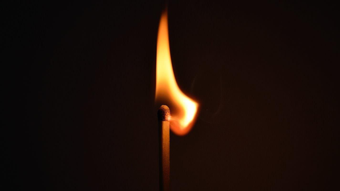 lighted-burning-match-66267