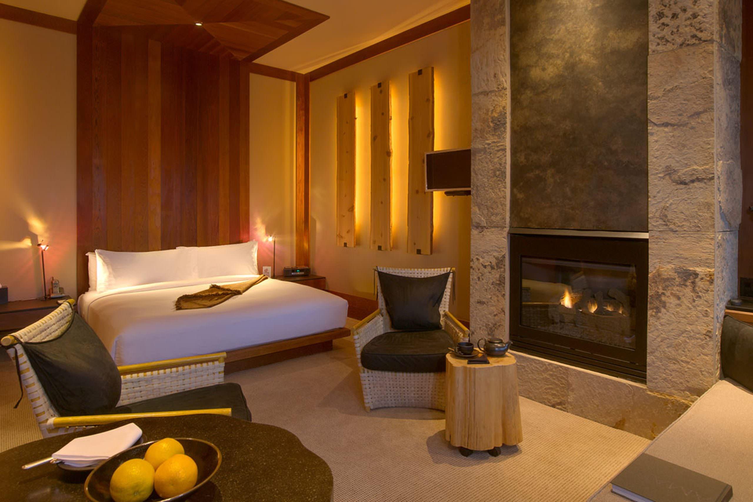 Amangani suite_bedroom_office_7666